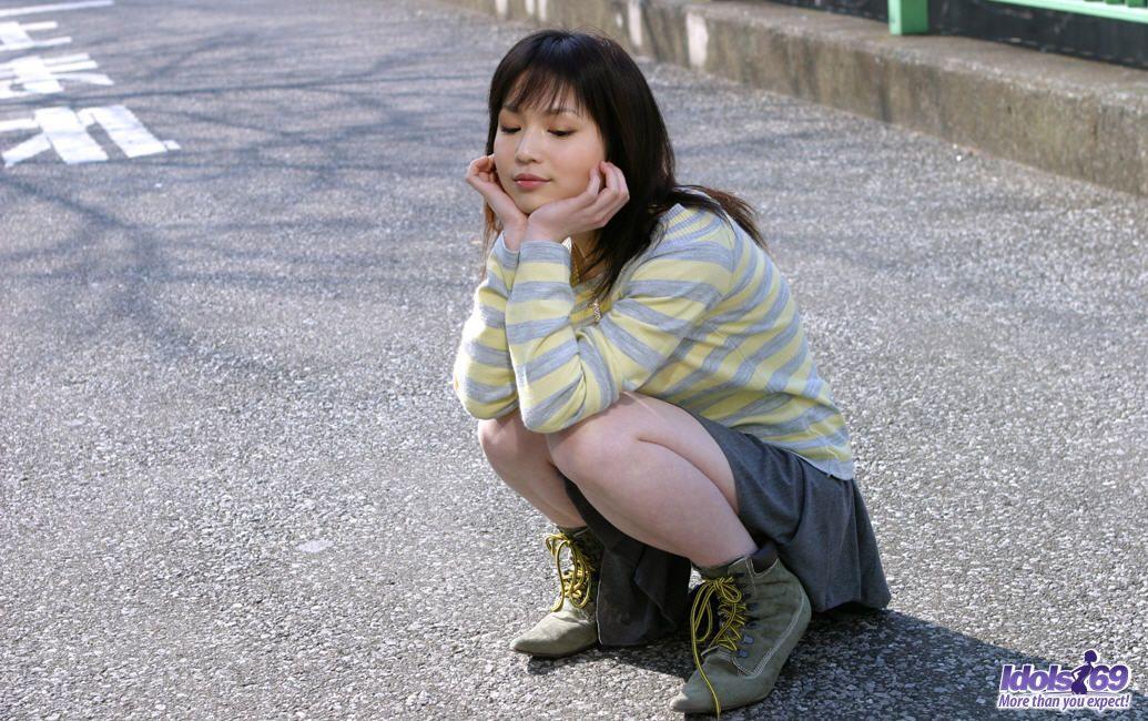 http://www.idols69.net/pictures/3-Ami/01.jpg