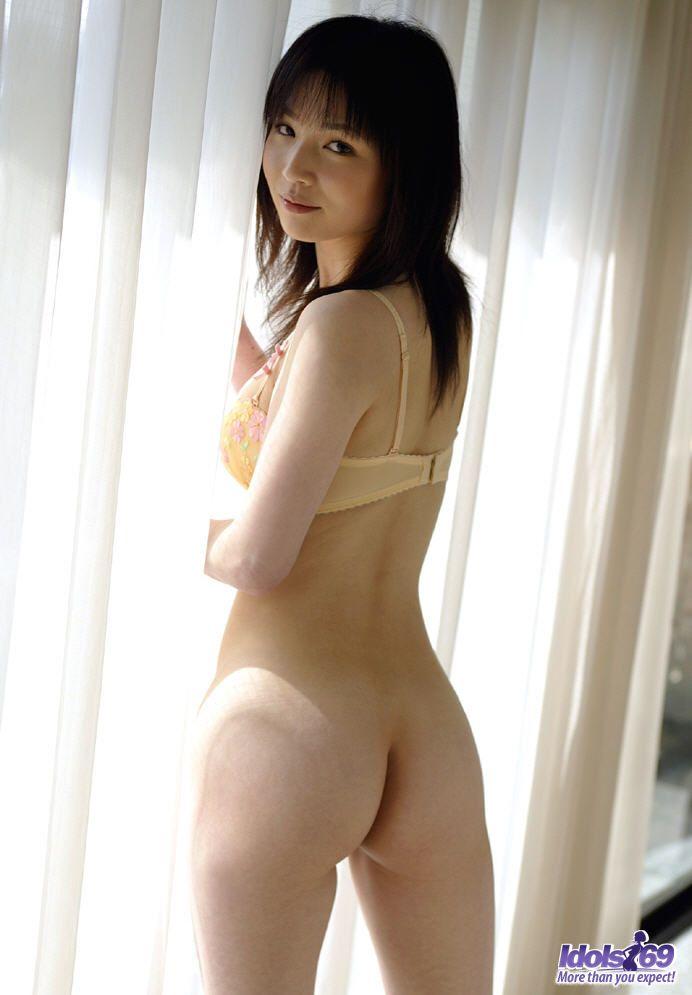 http://www.idols69.net/pictures/3-Ami/06.jpg
