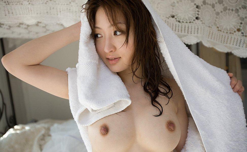 http://www.idols69.net/pictures/657-Maiko-Kazano/12.jpg